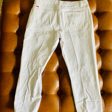 Load image into Gallery viewer, White Distressed Jeans