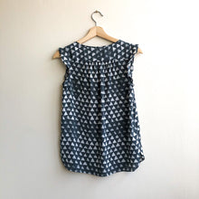 Load image into Gallery viewer, Sleeveless Gray Triangle Blouse