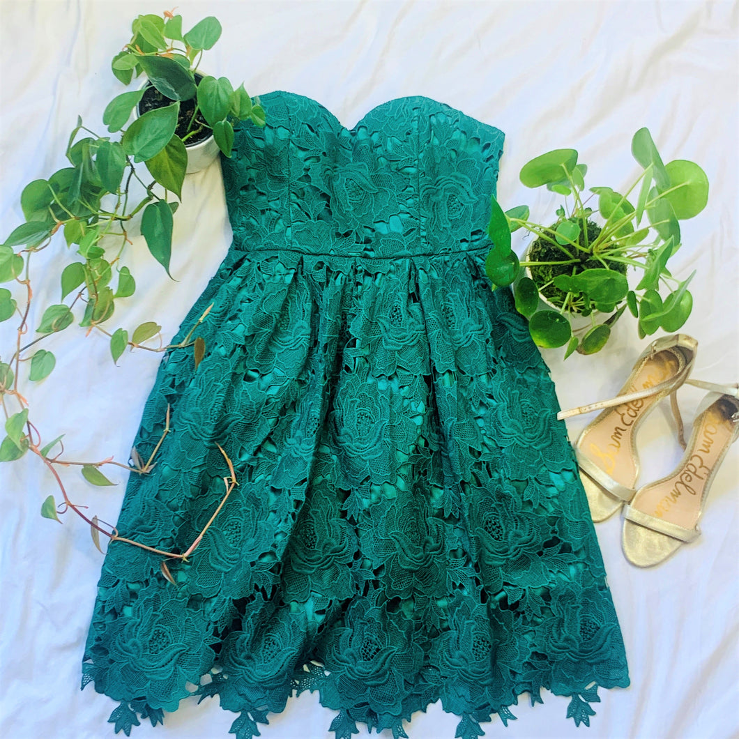 Green Strapless Sweetheart Lace Dress