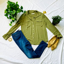 Load image into Gallery viewer, Army Green Button Down Blouse (L)