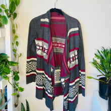 Load image into Gallery viewer, Printed Loose Fitting Cardigan