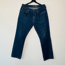 Load image into Gallery viewer, Dark Wash Straight Leg Jeans (M)