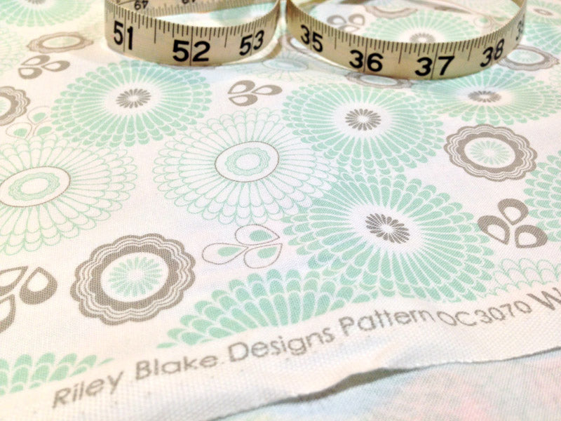 Yippy BeBe NJ fabric store Riley Blake Designs Willow Green Willow Main by My Mind's Eye - 1 yard close up