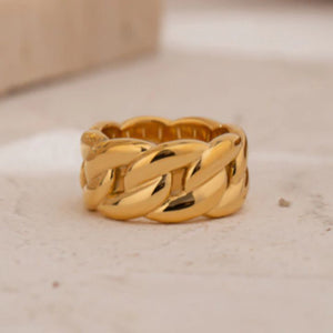 CHAINED RING