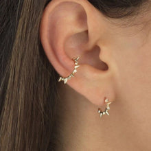 Load image into Gallery viewer, INNOCENCE GOLD EAR CUFF