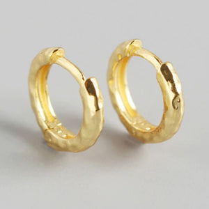 TONE HAMMERED GOLD EARRINGS