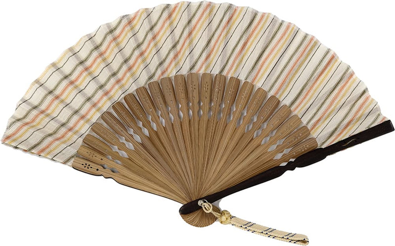 Ojiya no shizoku (a folding fan): In the 3-colored women