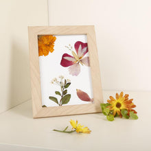 Load image into Gallery viewer, Huckleberry Make Your Own Pressed flower Frame Art