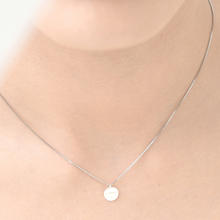 Load image into Gallery viewer, Petite Curl Dot Necklace