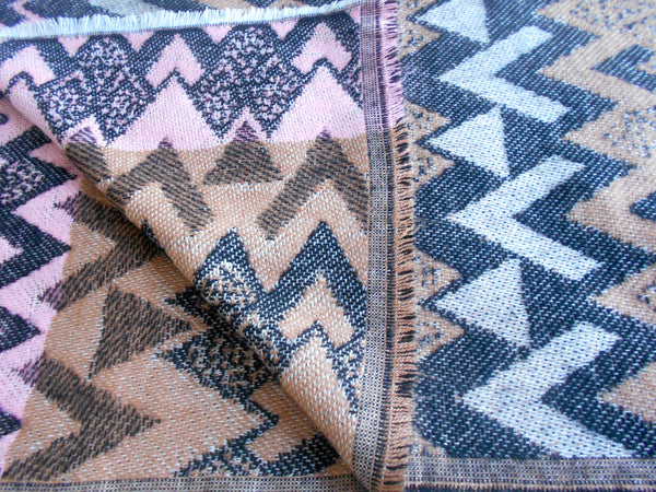 Muffler- Aztec Queen Chevron