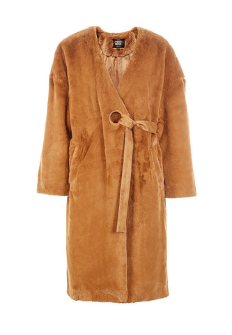 Smashing Invisible Buckle In The Long Teddy Bear Style Coat