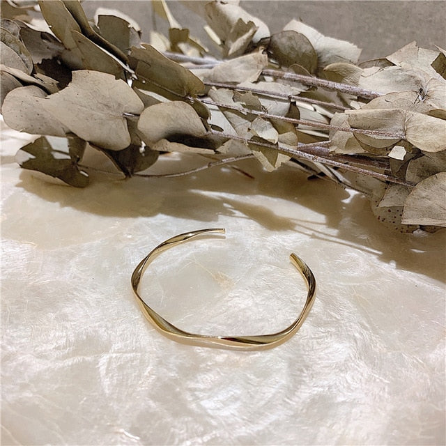 Geometric Irregular Spiral Distortion Gold Metal Bracelet Bangle