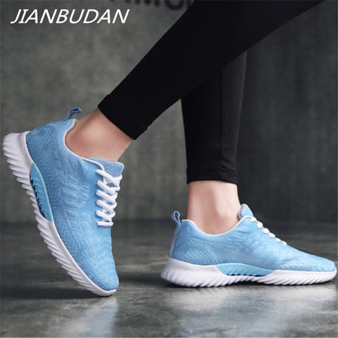 Breathable Mesh comfortable outdoor Lace Up walking shoes
