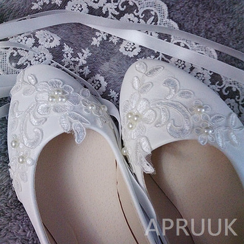 Ribbon lace bride luxury lace pearls white ivory Flat shoes