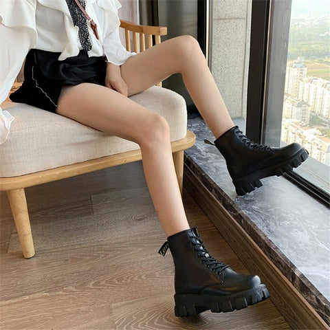 Black Ankle Flats Round Toe Black Lace-up Boots