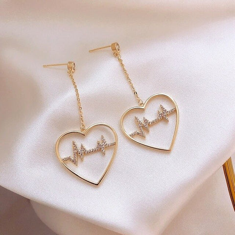 Elegant Golden Heartbeat Earrings