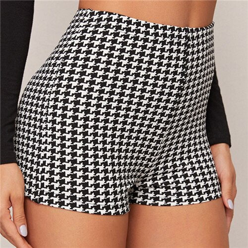 Black And White Houndstooth Print Casual Shorts