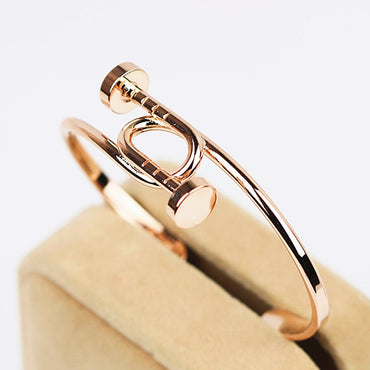 The oval Super beautiful Non-mainstream open bangle bracelet