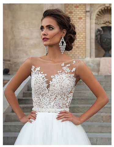 Sleeveless Bridal Gown Tulle Lace Appliques Wedding Dresses