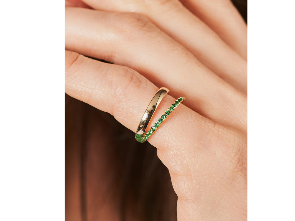 Load image into Gallery viewer, Tsavorite Affair Sash Pinky Ring