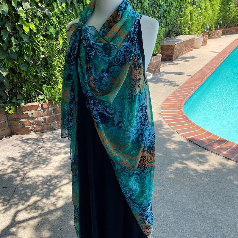Sophisticated Paisley on Emerald Seas 51521