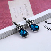 Load image into Gallery viewer, Jane Austen Themed Classical Crystal Earrings
