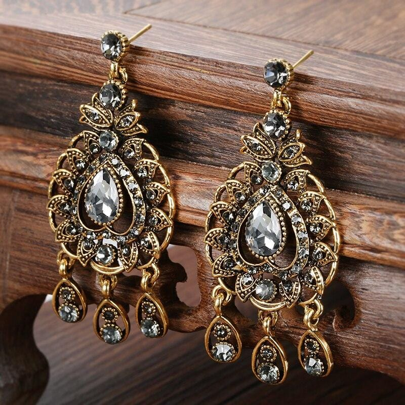 Lady Catherine de Bourgh Crystal Drop Earrings