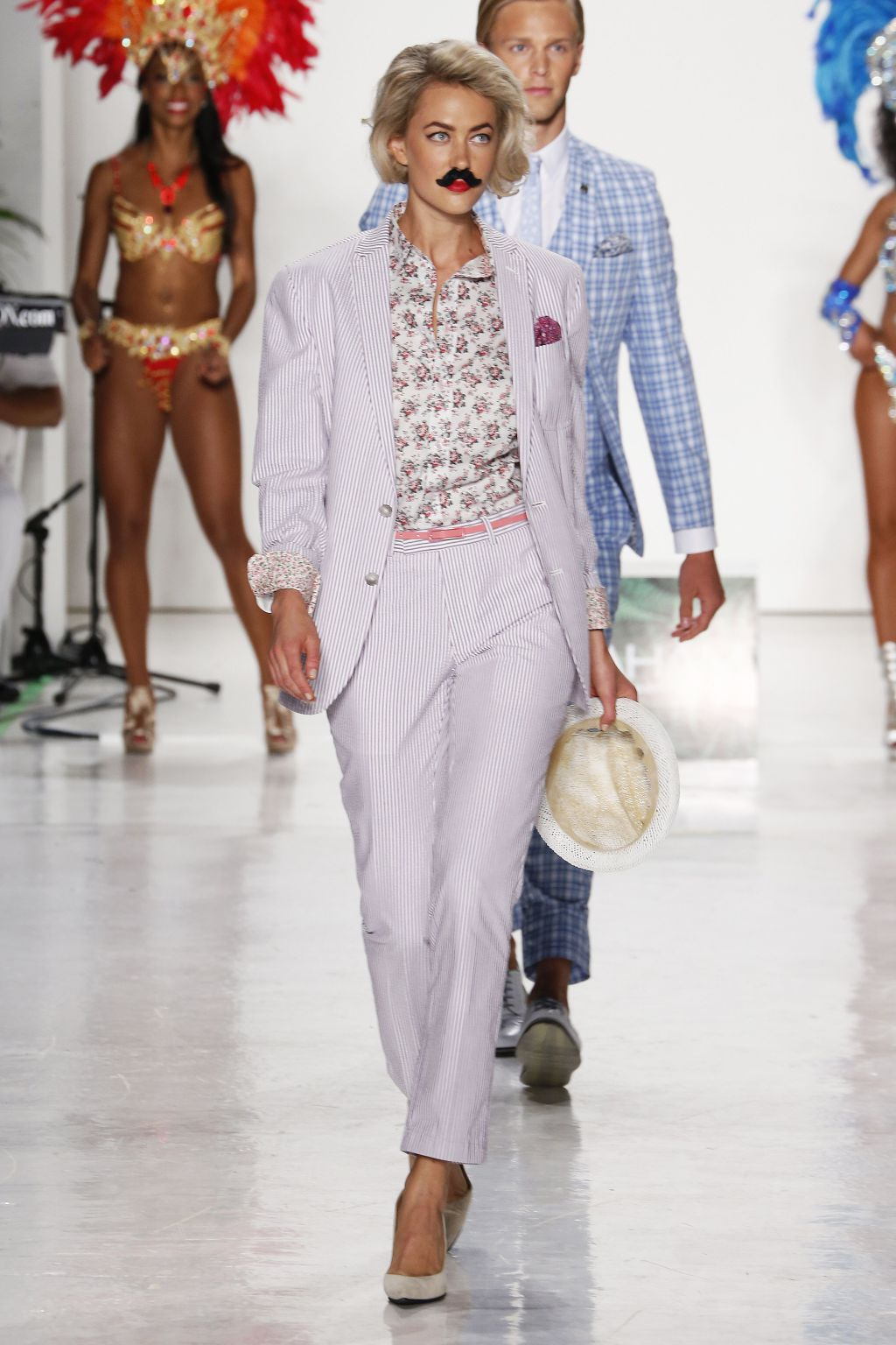 Model Amanda Rosberg walks Nick Graham Runway