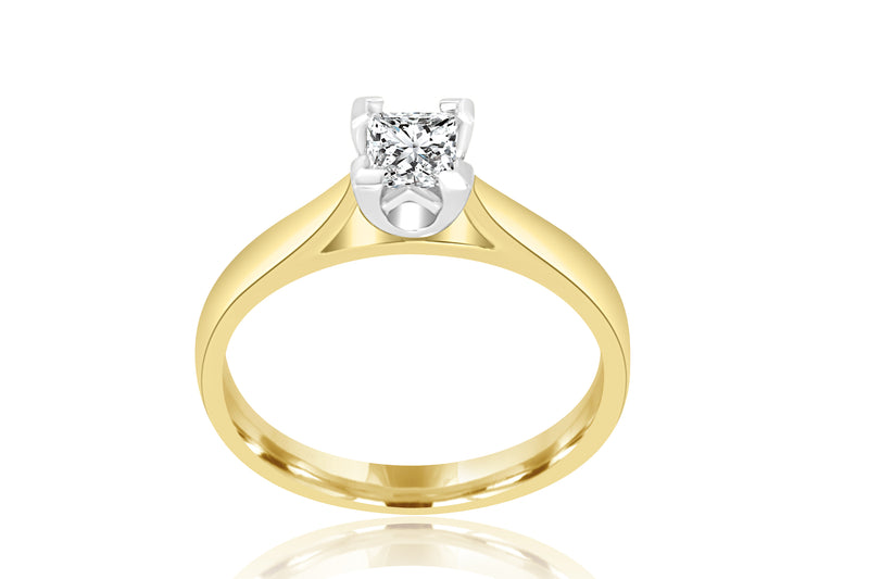 18K Yellow Gold Princess Cut Solitaire Diamond Ring