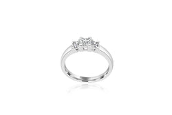 18k White Gold Princess Cut 3-stone Diamond Ring
