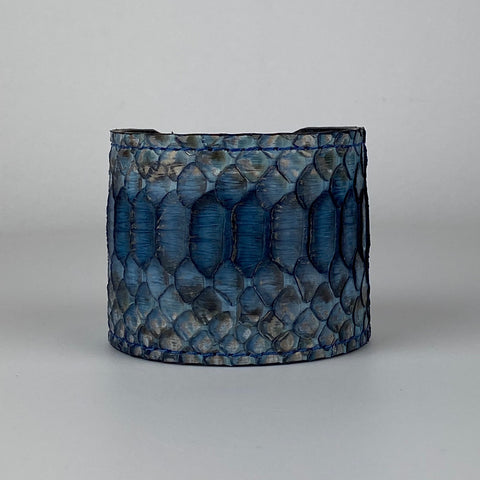 BLUE SNAKESKIN CUFF L/XL ADJUSTABLE