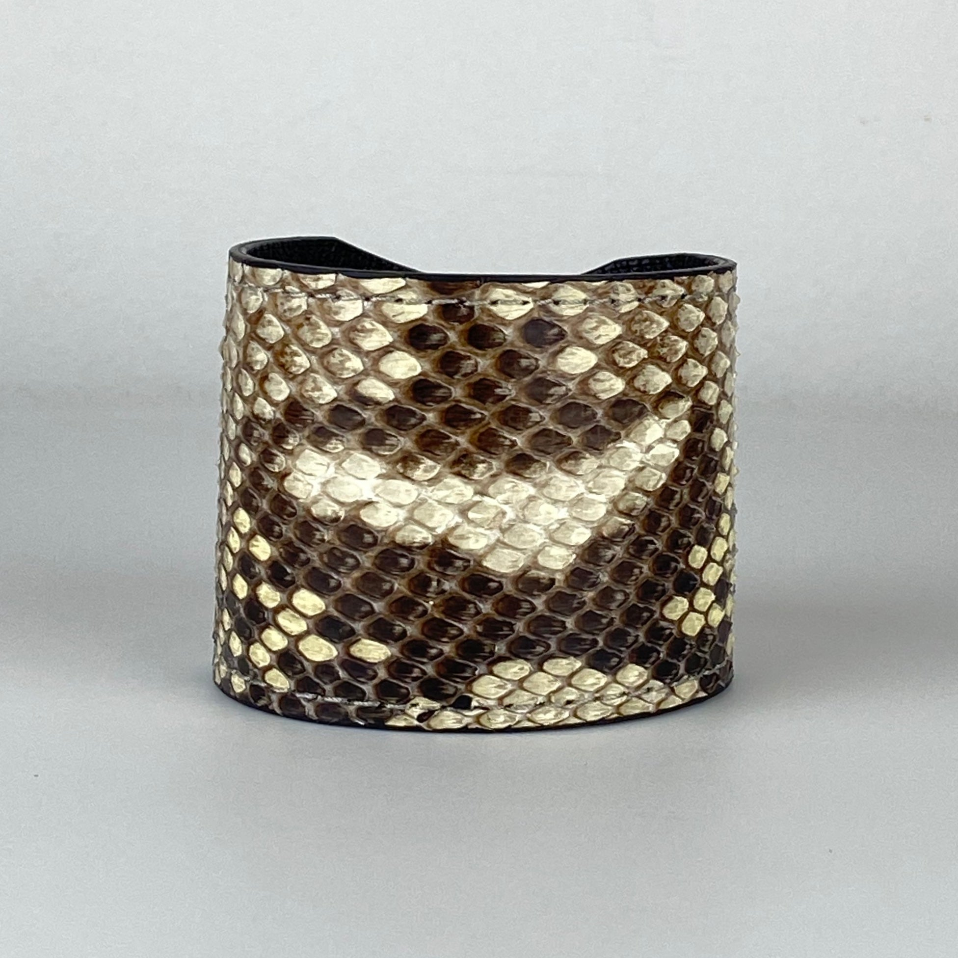NATURAL SNAKESKIN CUFF L/XL ADJUSTABLE