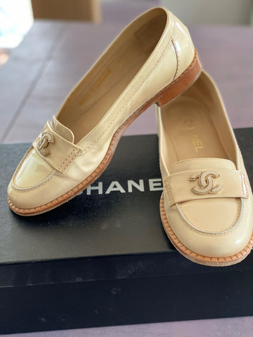 Chanel  sand color moccasins size 38