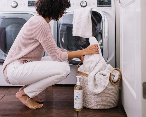 how to whiten clothes without bleach