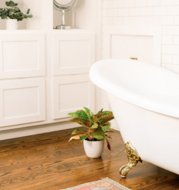 natural bathroom cleaning tips