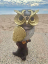 Load image into Gallery viewer, Owl figurine