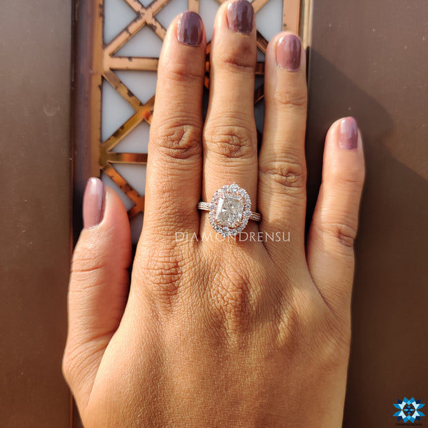 best moissanite engagement ring - diamondrensu