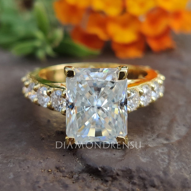 radiant cut moissanite - diamondrensu