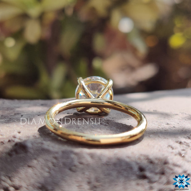 round oec moissanite ring - diamondrensu