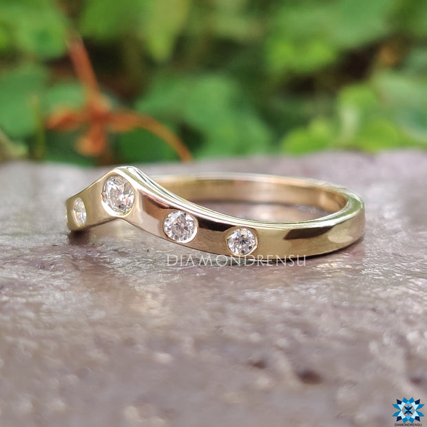yellow gold wedding band - diamondrensu
