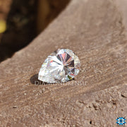 pear moissanite