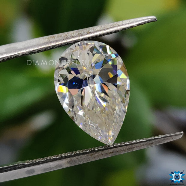 pear cut moissanite