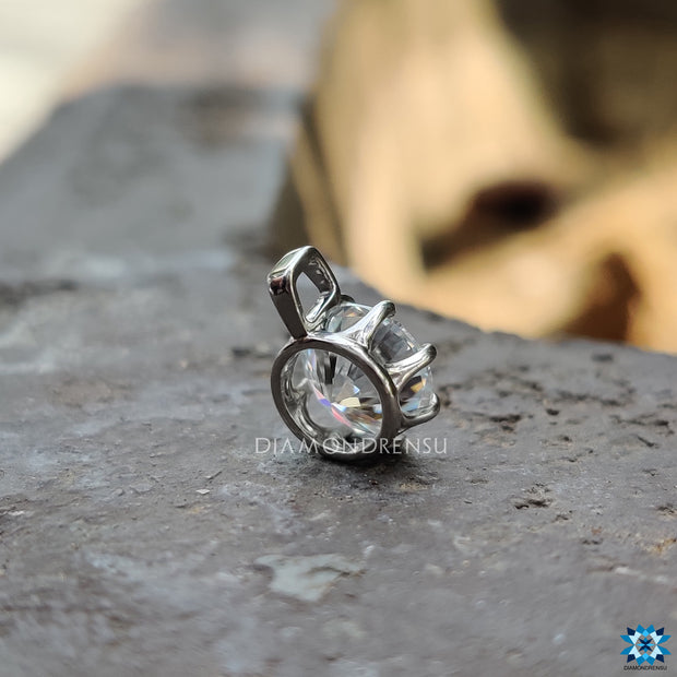 foreverone moissanite - diamondrensu