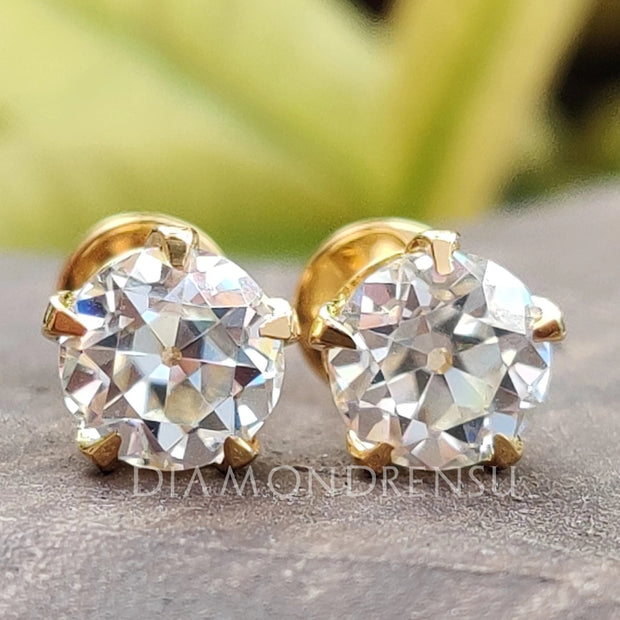 diamond stud
