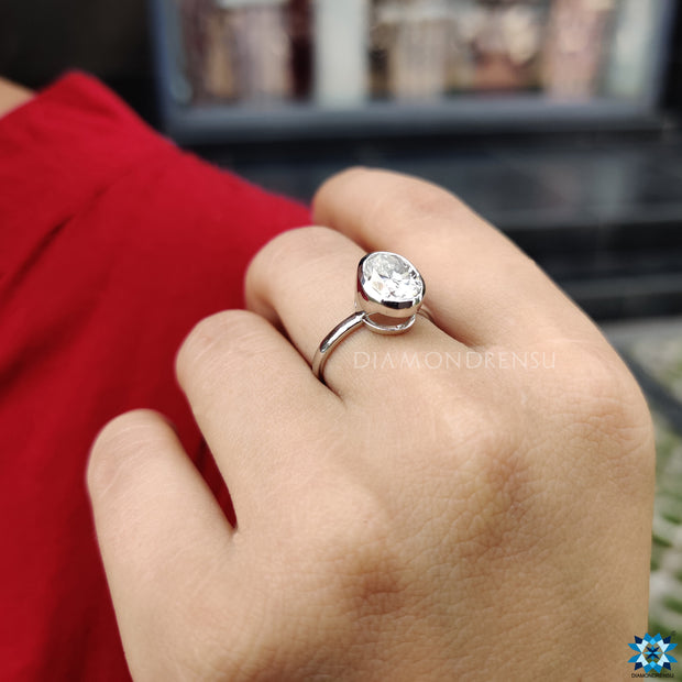 oval moissanite ring