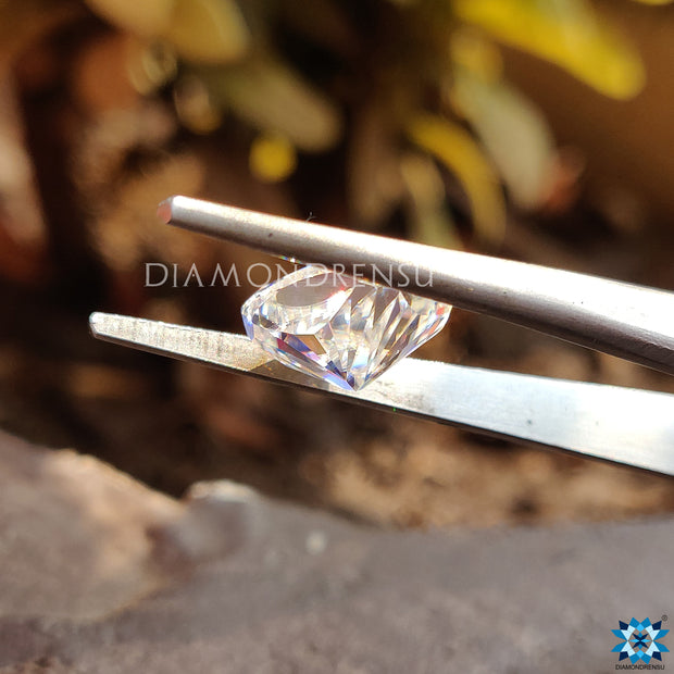 moissanite diamond