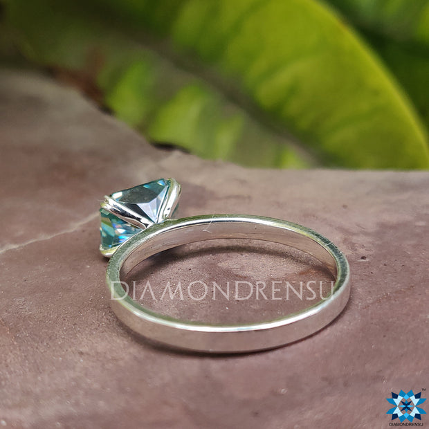 radiant moissanite