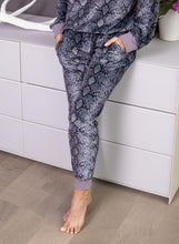 Load image into Gallery viewer, SNAKE SKIN - FLAT POCKET SWEATPANTS | CHRLDR