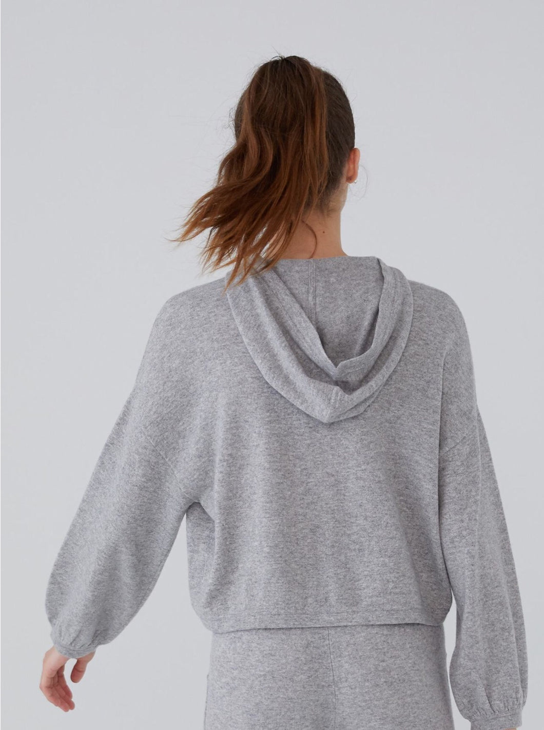LOUNGE CROP HOODIE | REVIVE CASHMERE
