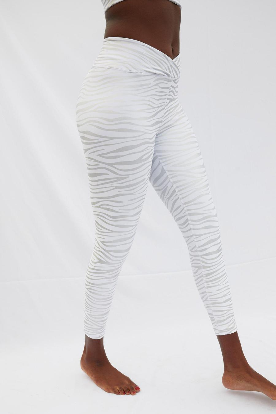 TIGER FOIL SPORT LEGGING | YEAR OF OURS